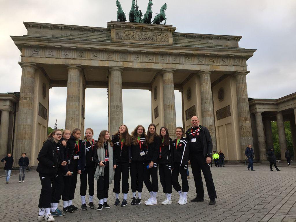 gym s d handball m dchen beim bundesfinale in berlin. Black Bedroom Furniture Sets. Home Design Ideas